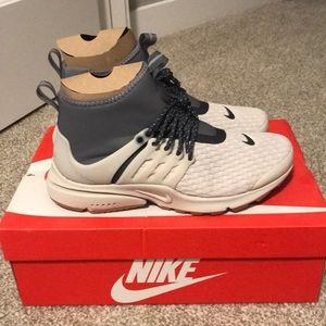 Women's Nike Air presto shoes Brand New
